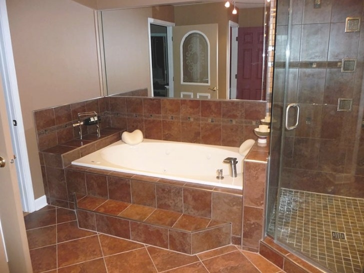 Small Bathroom Designs Picture Gallery | Qnud within Picture Of A Bathroom