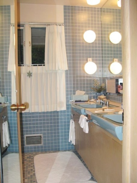 Terrific Bathroom Tile Ideas From 12 Reader Bathrooms pertaining to Vintage Blue Tile Bathroom