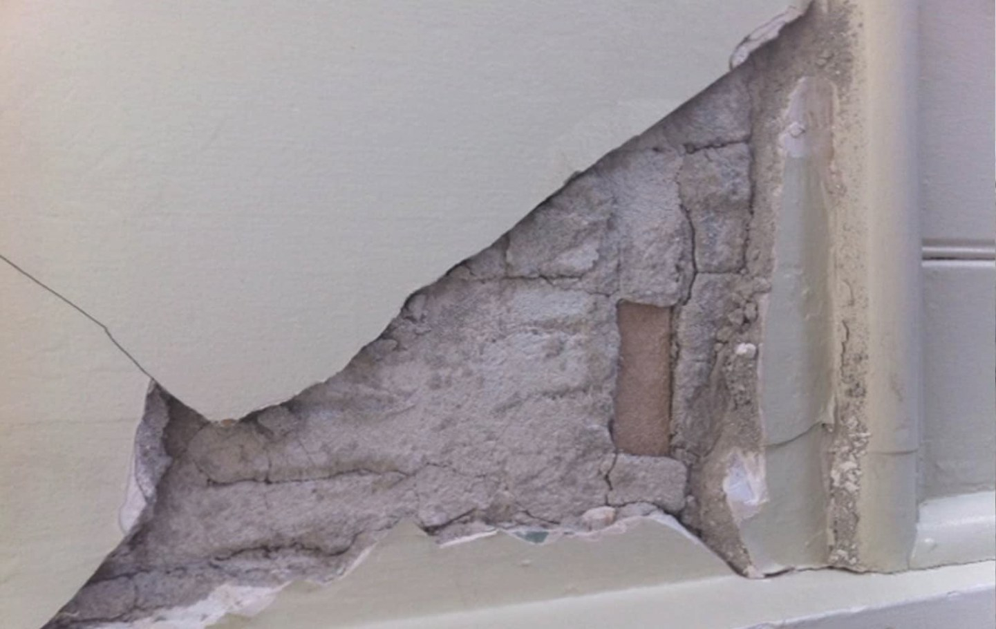 Asbestos In Plaster Walls | Armco Asbestos Surveys intended for Drywall Vs Plaster How To Tell