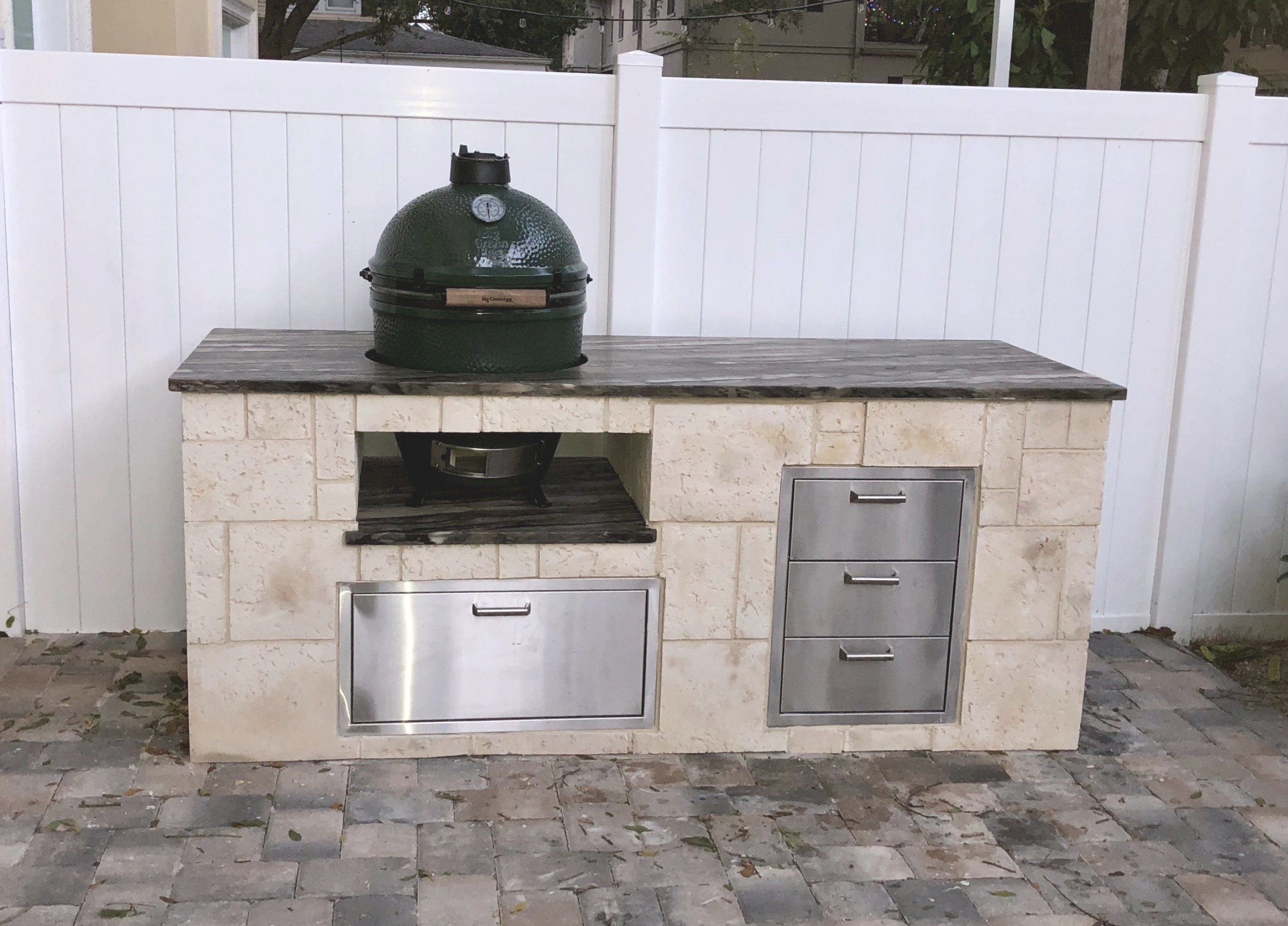 Big Green Egg In Custom Outdoor Kitchen | Sol Designers Tampa with Big Green Egg Outdoor Kitchen