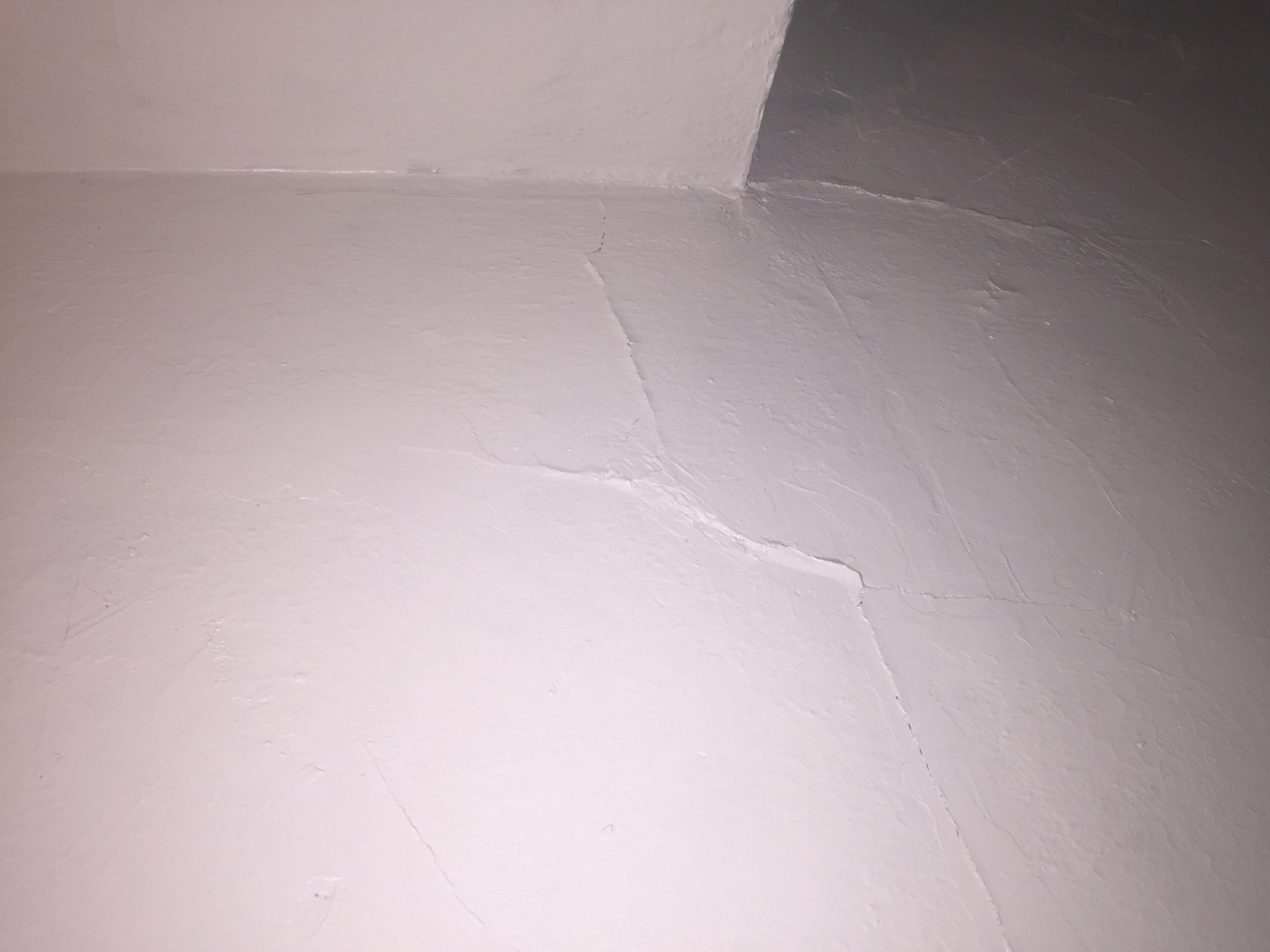 How Can I Smooth And Repair Cracks In A Plaster Wall? - Home inside Plaster Walls